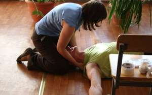 Необходимые действия для первой помощи больному при эпилепсии