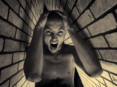 Клаустрофобия — боязнь замкнутых пространств. Фобии и страхи